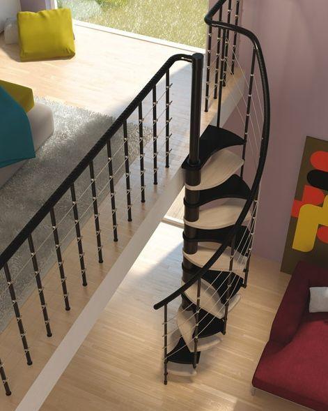 Mini escalera Trio 180º de Rintal, una escalera de caracol pensada para optimizar los espacios reducidos sin por eso resignar diseño y estética en un espacio pequeño. http://blog.habitissimo.es/2011/02/08/gana-mucho-espacio-con-la-escalera-caracol-trio-180%C2%BA-de-rintal/