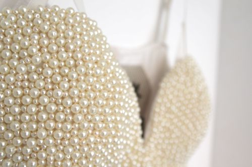Bodice made of pearls!