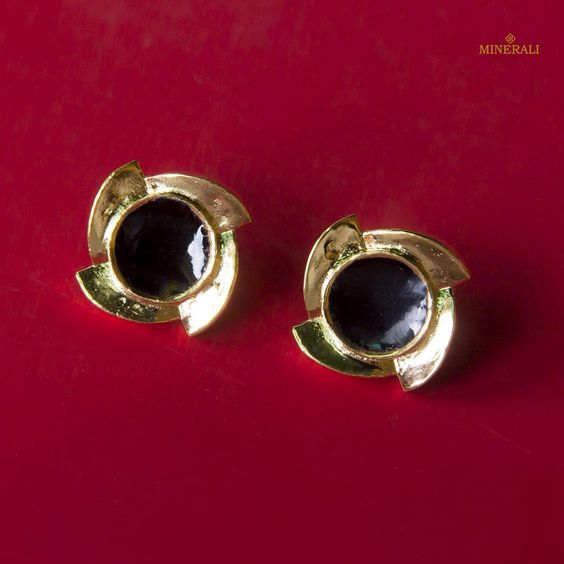 Pair these extremely cute and pretty studs to your casual outfit for an instant glam. By ESA, available at Minerali. #minerali_store #ESA #goldearrings #blackandgold #goldlove #loveforgold #fashion #accessories #cute #casual #desiner #indiandesigner #linkingroad #bandra #minerali