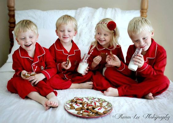 Cute Christmas photo idea: