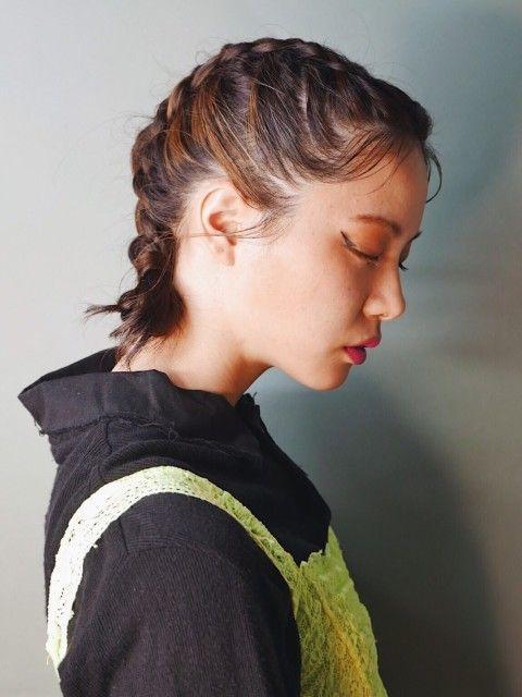 編み込みアレンジ クラシック モード ヘアセット Bloc ブロック のヘアスタイル 美容院 美容室を予約するなら楽天ビューティ モード ヘアセット 編み込み ヘアセット