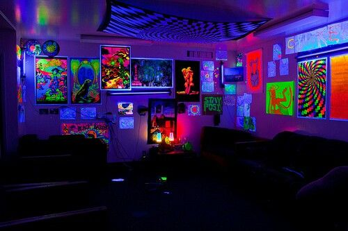 I am really into black light-reactive posters...   My Room Will be Amazing    Pinterest   Neon bedroom, Bedrooms and Lights