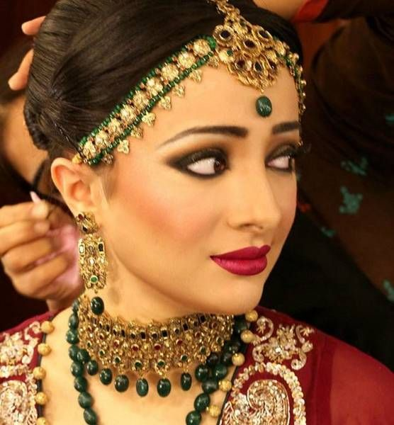 Traditional Wedding Makeup Pictures : Arabic/Afghani/Pakistani/Indian Bridal Party Evening ...