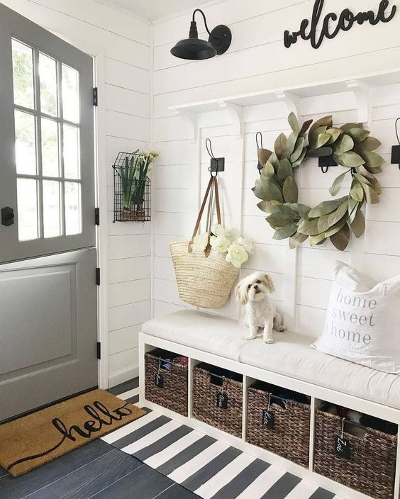 enchanting farmhouse spring decor ideas for your house17