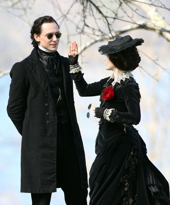 Tom Hiddleston and Jessica Chastain film scenes for Guillermo del Toro's new movie 'Crimson Peak' on May 6, 2014 [HQ]. http://torrilla.tumblr.com/post/85032901355/tom-hiddleston-and-jessica-chastain-film-scenes#notes