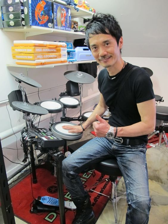 Internationally acclaimed drummer Akira Jimbo visits Revolver Drums