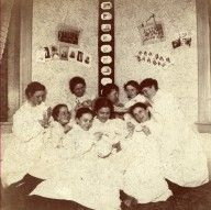 Thetas all in white, I'm guessing post initiation.  1899, Mu chapter.