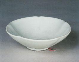 五代 定窯白釉葵口碗 | 中華博物