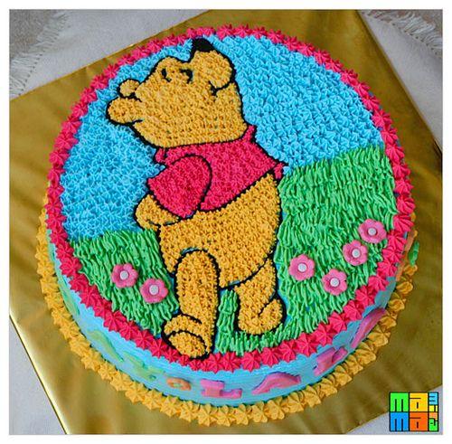 Winnie the Pooh Birthday cake by mamamira, via Flickr: