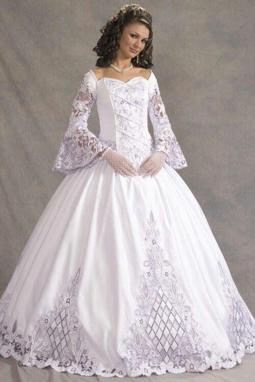 Old fashion wedding dress - Just beautiful--&lt-3 - Pinterest ...