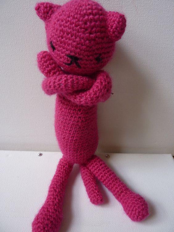 Doudou chat pattes croisées en crochet : Jeux, jouets par mamzellecrochet