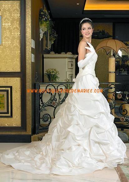 Belle robe de mariée jupe froncé
