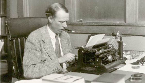 Sinclair Lewis.