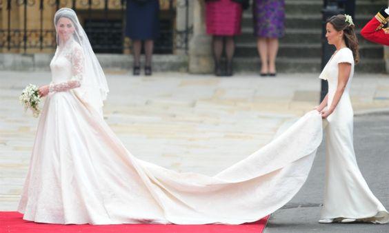 Â¿Puede una invitada robarle protagonismo a la novia? #wedding #novia #invitada #boda
