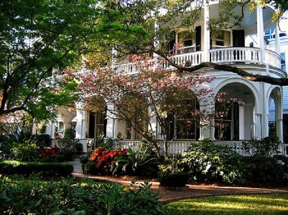 Porches Southern Plantations And Classic On Pinterest