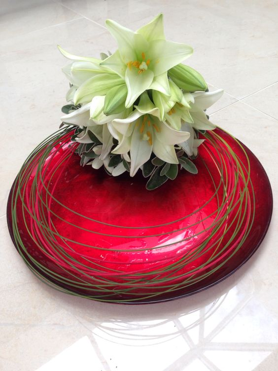 Flower arrangement on a plate