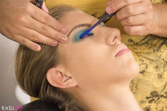 TodaEla - Como usar máscara de cílios coloridas