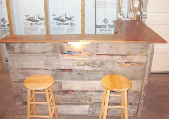 Diy bar made out of skids and old wood pieces for for What to make out of those old wood pallets