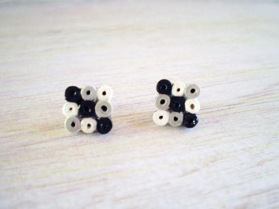 Πλατεία Stud σκουλαρίκια Μαύρο Γκρι Λευκή Βίβλο Ελάχιστες Κοσμήματα Eco-Friendly ΕΛΕΥΘΕΡΗ ΝΑΥΤΙΛΙΑ / Σκουλαρίκια από χαρτί