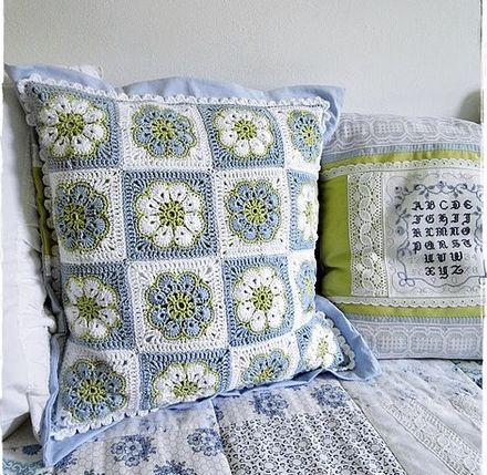 Crochet: African flower cushion