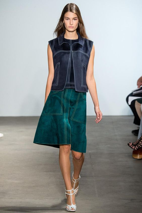 There's only one style of skirt to wear this season - here it is: http://vogue.uk/rrX3vi