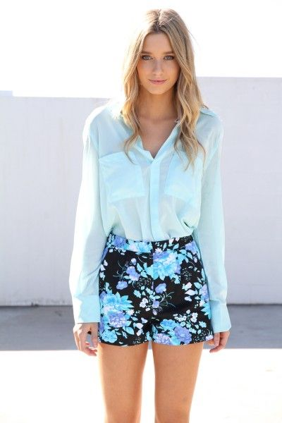 really pretty mint and floral outfit: