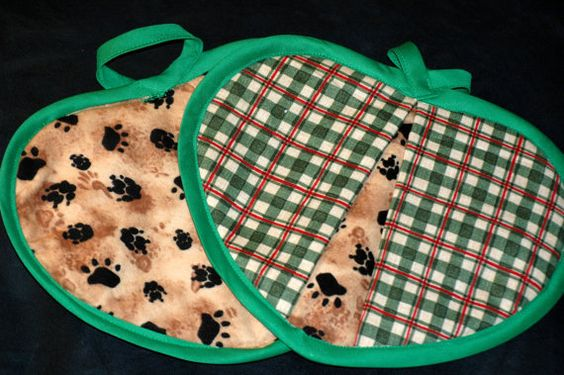 Green & red plaid heart shaped potholder by HandcraftedforKids, $12.00    Perfect potholders for your house by the lake!!!