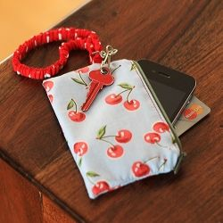 Take your phone with you when you don't have any pockets with this handy little pouch. Free pattern and tutorial