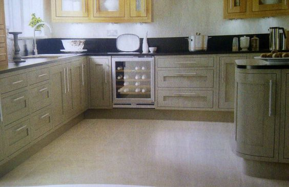 Cooke lewis carisbrooke taupe kitchen b q kitchens for Kitchens b q cooke and lewis