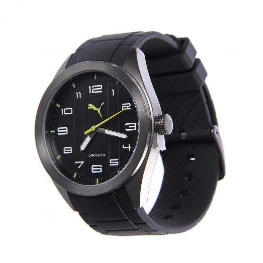 El reloj Pace de Puma para hombre tiene un diseño juvenil y casual. Su
