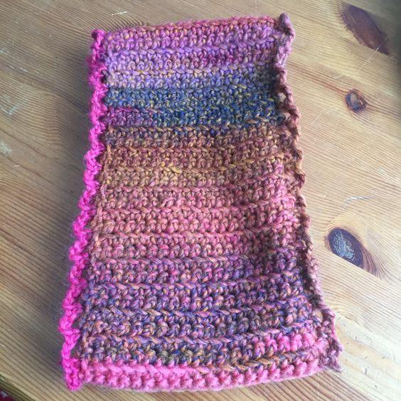Crochet scarf in Katia Azteca yarn. An infinity scaf.: