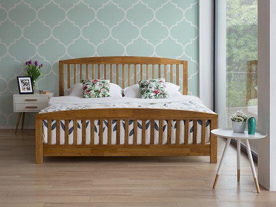 Bed 180x200 Hout.Bed Hout Bruin 180 X 200 Cm Castres Witte Nachtkastjes