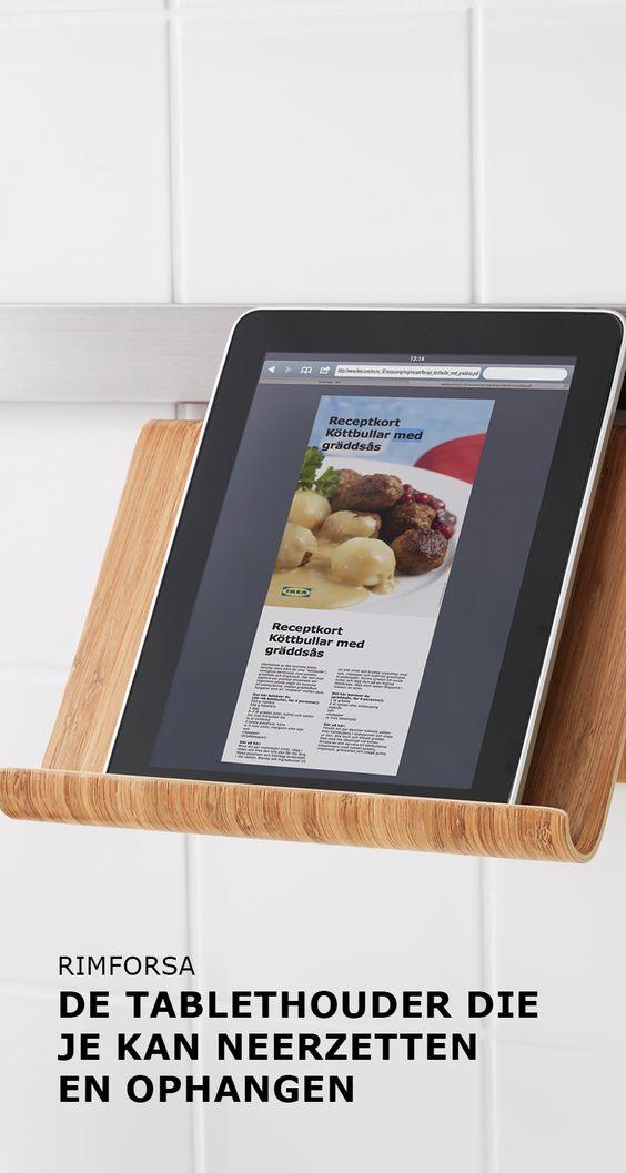 RIMFORSA tablethouder die je kan neerzetten en ophangen | #IKEA #IKEAnl #ElkProductEenGoedVerhaal #tablet #houder #bamboe #duurzaam #recepten #koken #slijtvast #milieu