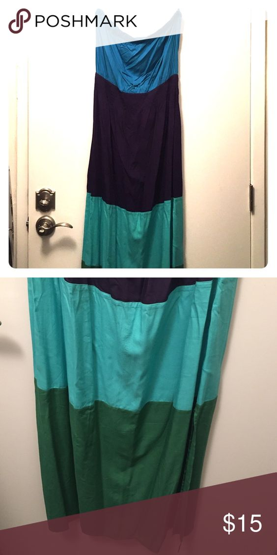 GAP Maxi Dress Full length GAP Maxi Dress. Both sides of the dress have slits approximately to mid-calf. Pair with your fav cardigan or denim jacket! GAP Dresses Maxi