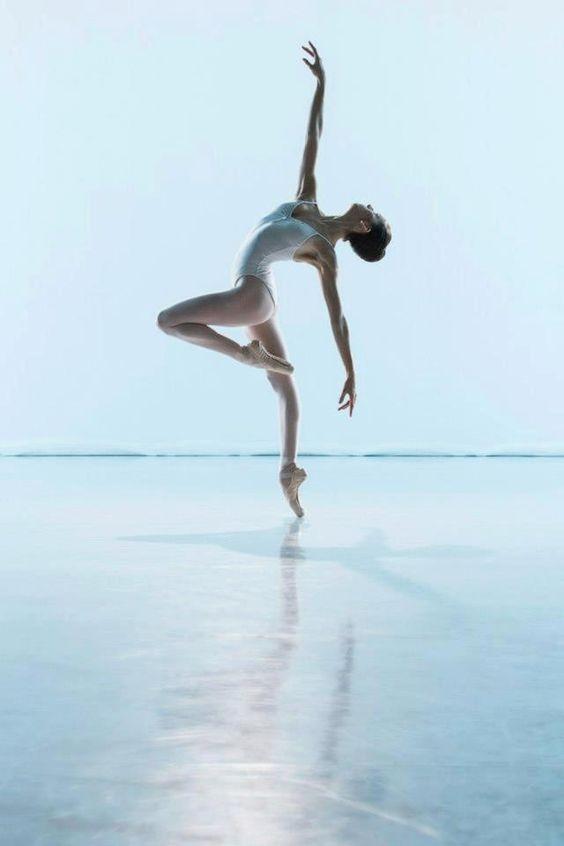 la grace du mouvement... http://www.bijouxmrm.com/