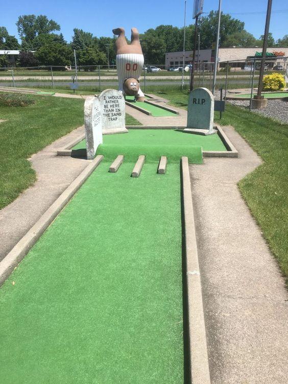 21+ Black lake mini golf viral