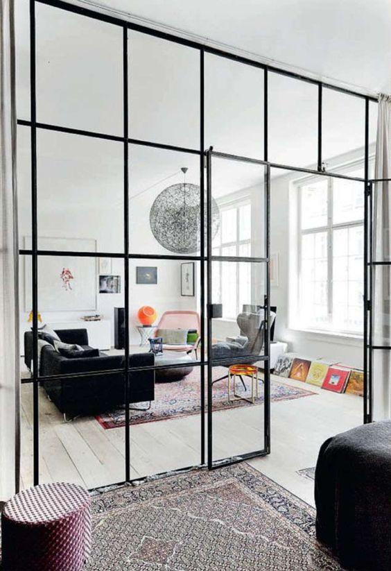 Jon Oron Copenhagen interior || Un mur de carreaux vitrés (entre une cuisine et un salon par exemple)