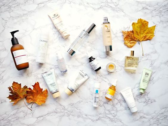 If there's one thing my skin hates, it's cold weather! I'm sure I'm not alone but my skin has already starting to get drier and more sensitive. I've recently tried a few new products that that contain