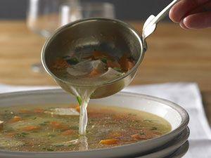Hühnersuppe: Das beste Rezept bei Erkältung!