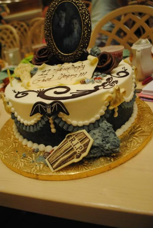 Disney Mansions And Anniversary Cakes On Pinterest