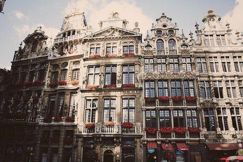 so romantic: Architecture Buildings, Favorite Places Spaces, Travel Places, Brussels Belgium, Beautiful Places, Things And Places, Beautiful Buildings, Pretty Places