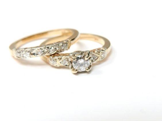 A Classic 1940s Diamond  Wedding Ring Set