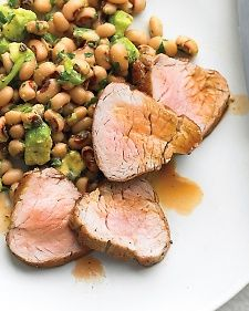 Broiled Pork Tenderloin with Black-Eyed-Pea Salad Good summer time food Avocados