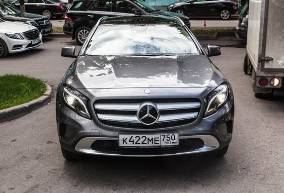 Mercedes-Benz GLA_04