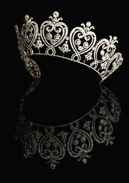 The Manchester Tiara, French, 1903. Designed by Cartier. Accepted by HM Government in lieu of Inheritance Tax and allocated to the V & A Museum, 2007. Photo: Angela Moore. V&A Museum.