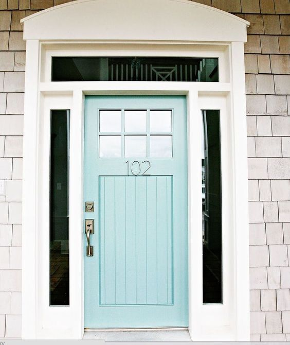 Turquoise Front Door with curb appeal! Paint color is Wythe Blue-Benjamin Moore.Come find Beachy Turquoise Decor Inspiration to float your boat! #turquoise #decorinspiration #beachyblue #benjaminmoorewytheblue