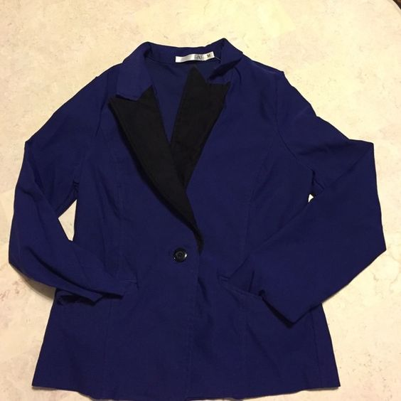 Flash sale! size medium cobalt and black jacket Very pretty size medium cobalt and black jacket. Worn only once and I see no flaws. Cotton, nylon, and spandex. Hand wash cold. Smoke free home. Nice Jackets & Coats Blazers