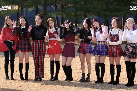 """Watch: TWICE Gets Ready To Play A Game Of Secrets On """"Running Man"""""""