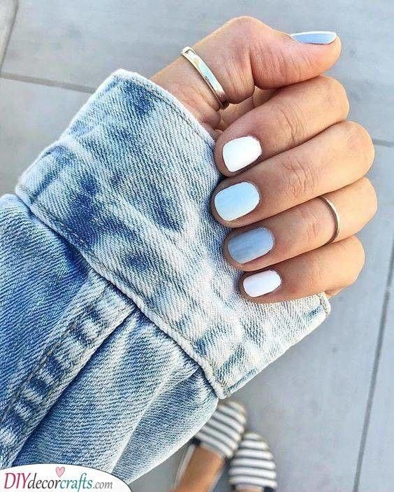 Shades Of Blue Cute Short Nails Pastelnails In 2020 Solid Color Nails Simple Nails Blue And White Nails
