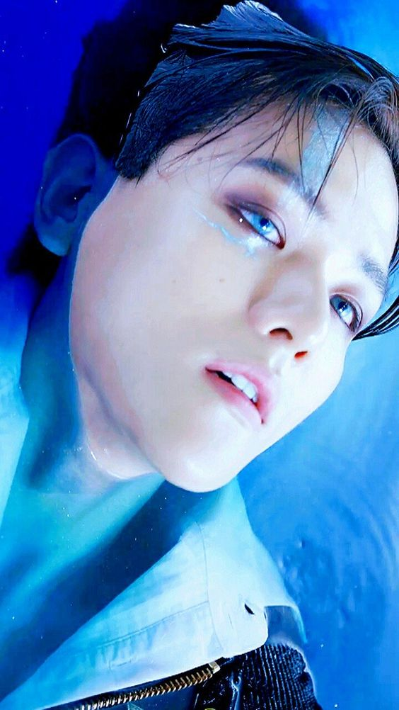 "I love this ""I fell in the ocean"" BBH concept"